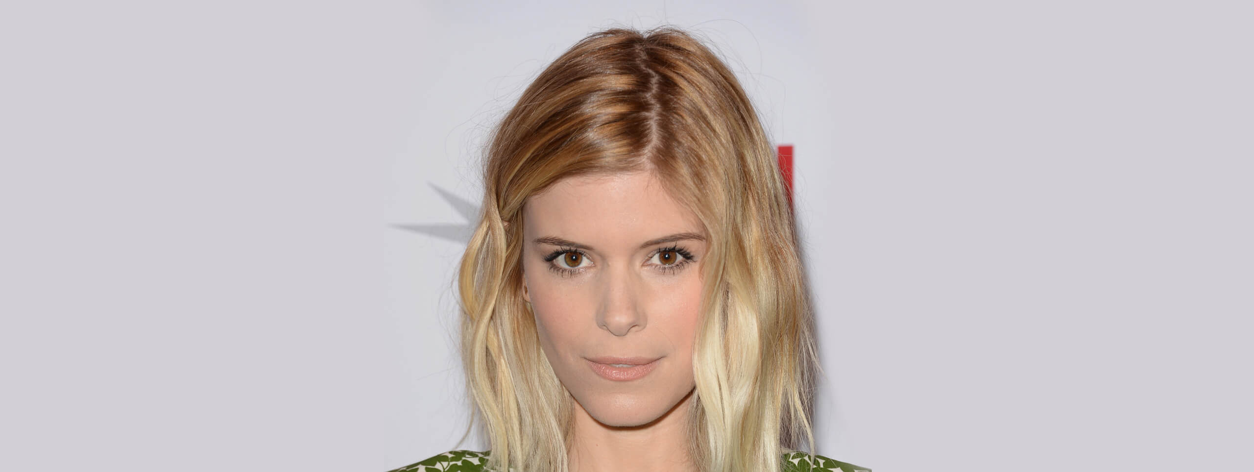 Kate Mara acconciatura capelli biondi media lunghezza